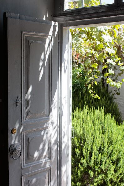 rosemary at door