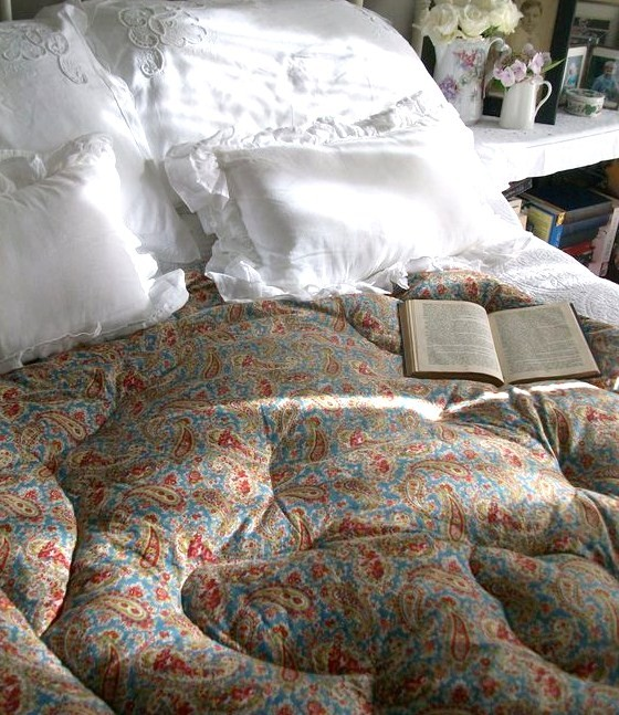 eiderdown on bed