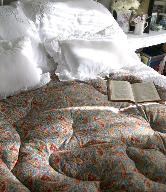 eiderdown on bed