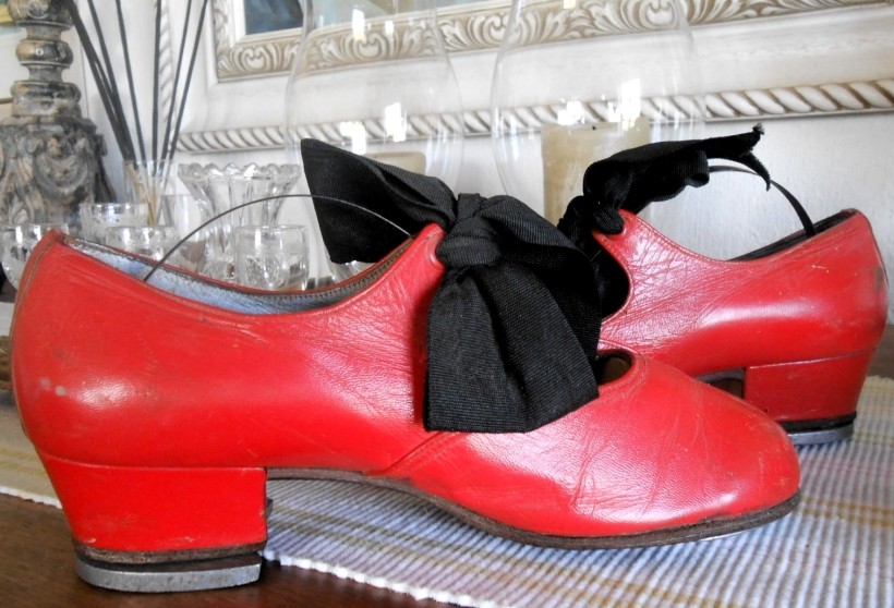 Little red Tap shoes b