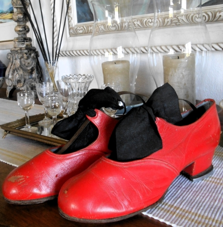 Little red Tap shoes f