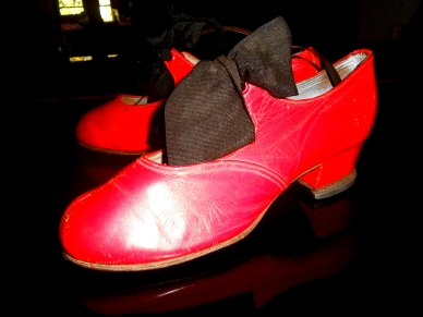 Little red Tap shoes j