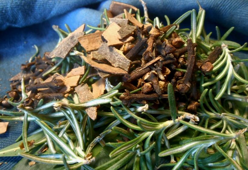 Rosemary, Cinnamon, Cloves & Bay leaves